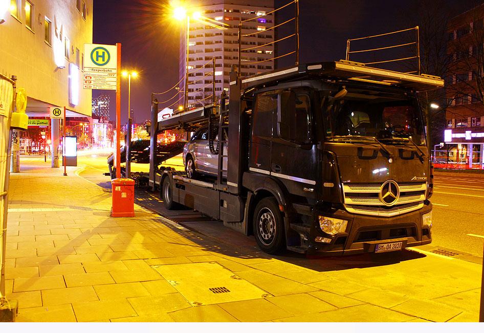 http://www.larsbrueggemann.de/fotos-autos2-630px/529ewd-parken-auf-bushaltestelle.jpg