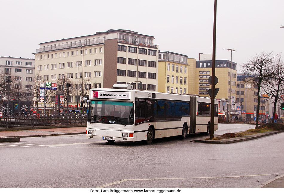 http://www.larsbrueggemann.de/fotos-busse4-630px/529ewd-foto-sev-bus-bahnhof-altona.jpg