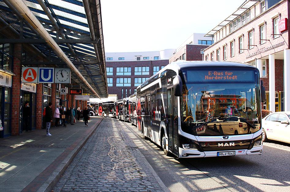 http://www.larsbrueggemann.de/fotos-busse7-630px/529ewd-elektrobus-norderstedt-mitte-2.jpg