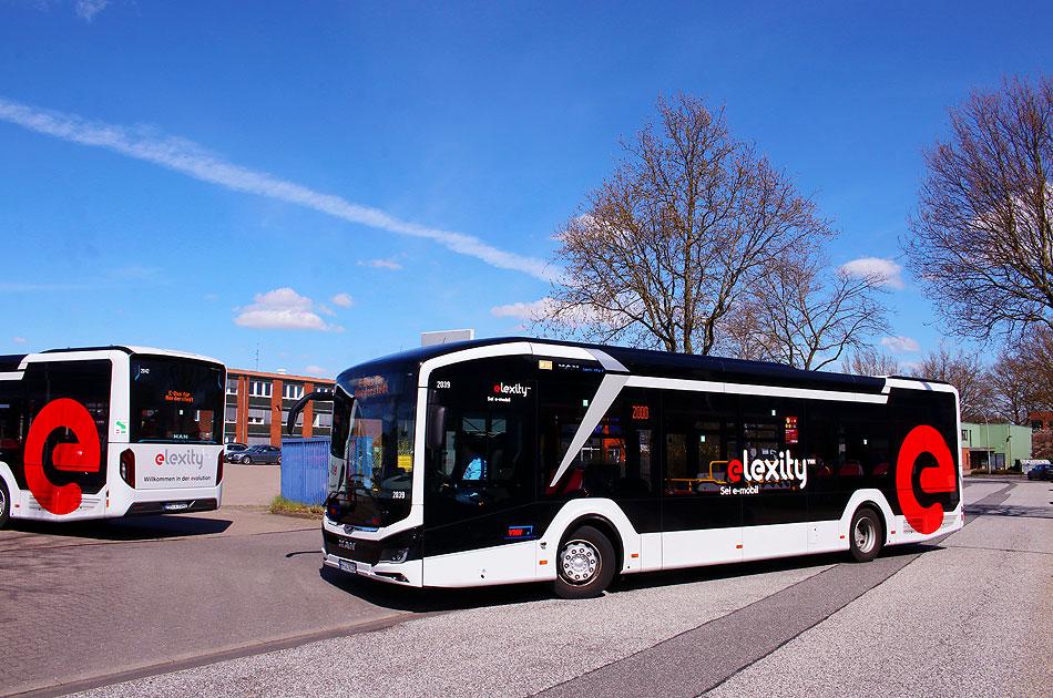 http://www.larsbrueggemann.de/fotos-busse7-630px/529ewd-foto-elektrobus-norderstedt.jpg