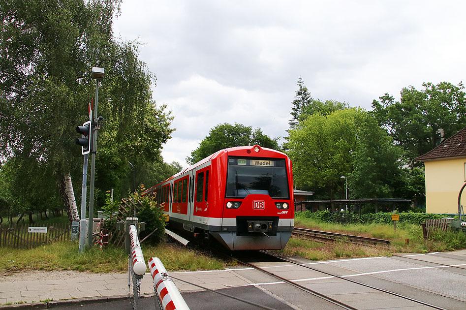 http://www.larsbrueggemann.de/fotos-eb-17-630px/529ewd-ausfahrende-s-bahn.jpg