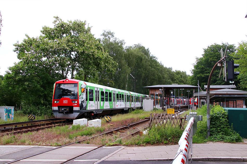 http://www.larsbrueggemann.de/fotos-eb-17-630px/529ewd-s-bahn-bahnhof-suelldorf.jpg